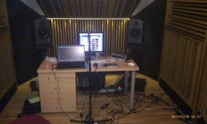 Studio_B_Flat2.jpg